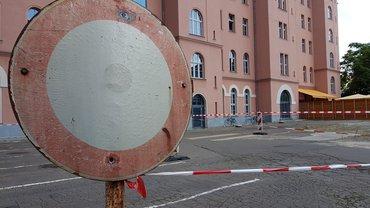 Parkplatz hinter dem Volkshaus gesperrt